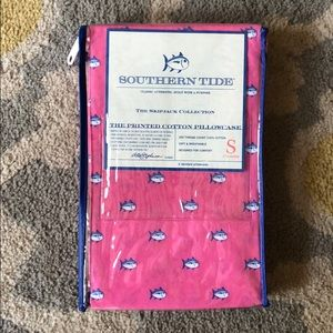 Southern Tide Standard Pillowcases